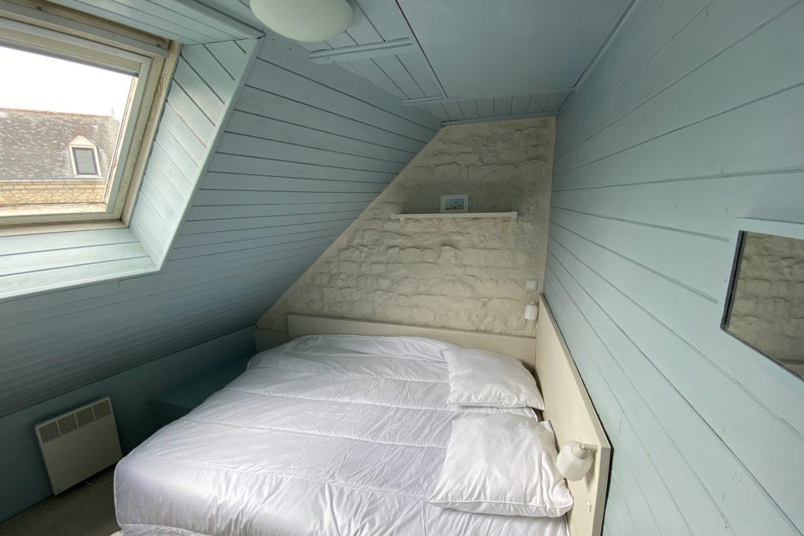 une chambre de la réf 493 appartement + local commercial à vendre à Locmariaquer
