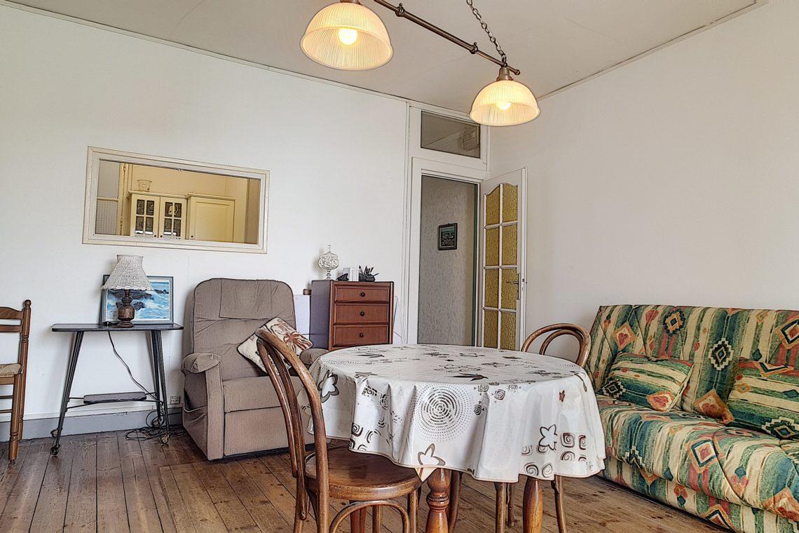 appartement 0438 salle à manger