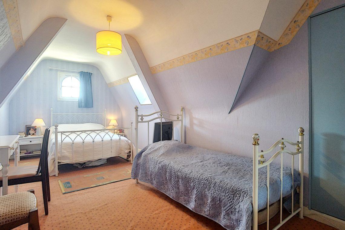 une chambre de la maison à vendre réf 537 à Étel